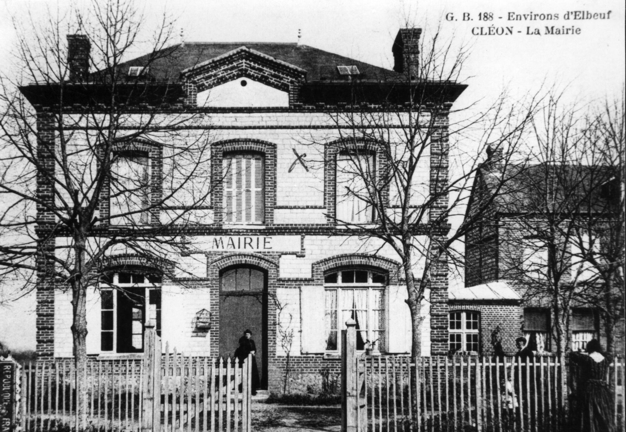 ancienne mairie Cléon